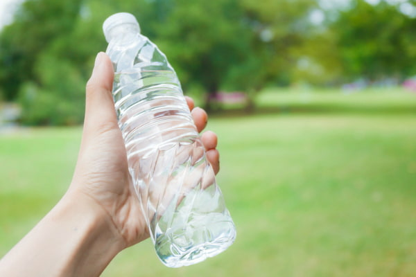 10 reasons why we should kick our bottled water habit