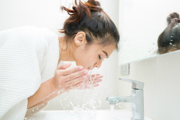 A beauty secret for hydrated skin – wash your face in filtered water