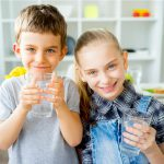 Kids-with-glass-of-water