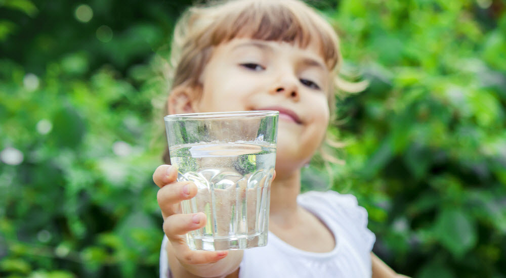 So why is it important for children and babies to drink enough water?