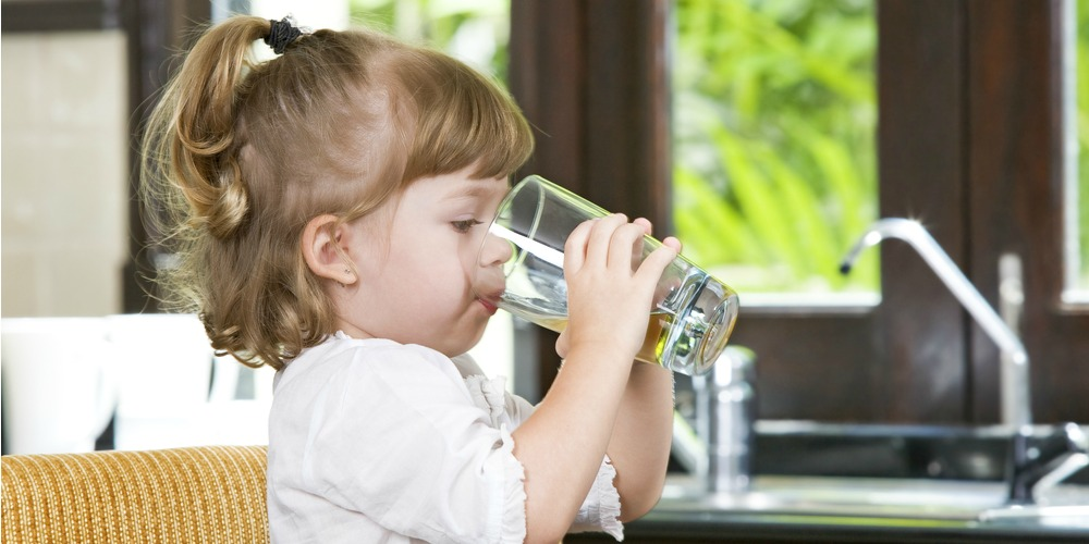 WFA-child-drinks-water